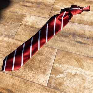 Red and blue neck tie. Good condition